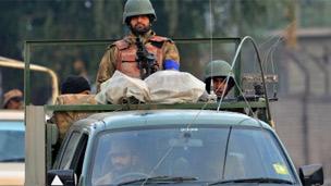 121216162633_pakistan-army