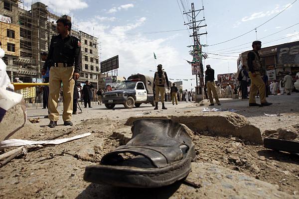 0429-Pakistan-election-violence_full_600