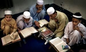 peshawar-madrassa-school-007