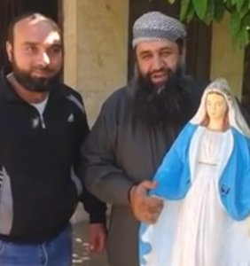 Salafi-destroys-statue-of-Mary