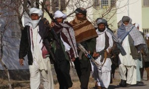 Taliban-militants-surrend-007