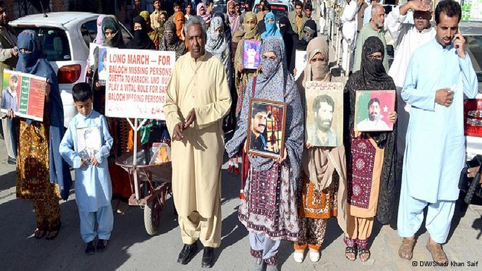 VBMP activist qadeer baloch leading the long-march for the rights of Baloch missing persons in queeta on 28 october, 2013 Foto: Shadi Khan Saif