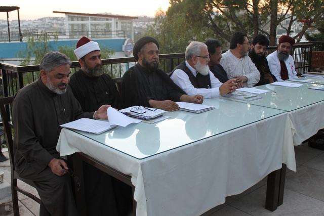 Pakistani-Sunni-Shia-leaders-sign-historic-anti-sectarianism-declaration