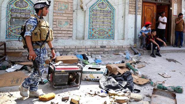 140721064204_baghdad_mosque_suicide_attack_624x351_ap_nocredit