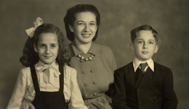 From left, Hazel Kahan, her mother Kate, and her brother Michael, in Lahore, Pakistan, in 1948. Photo by Hazel Kahan