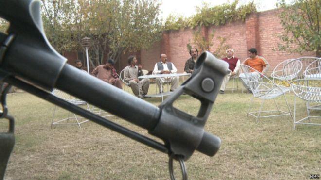 141129205542_target_killing_swat_640x360_bbc