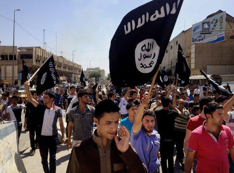 Isis-Flags-AP-800x594