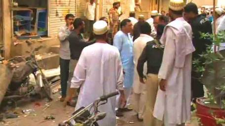 blast-outside-bohra-mosque-two-killed-1426890282-7893