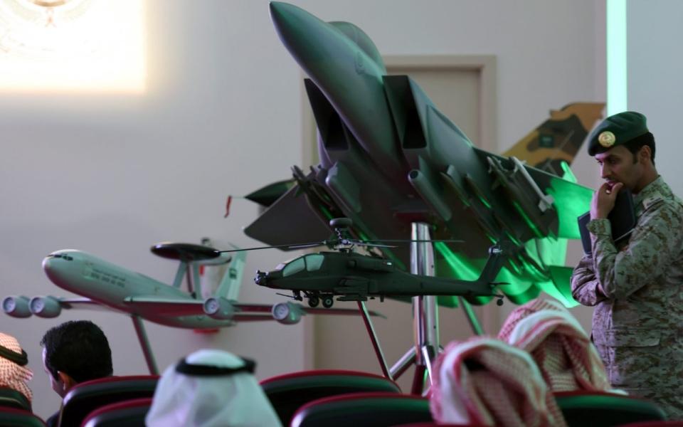 src.adapt.960.high.saudi_plane.1429272351218