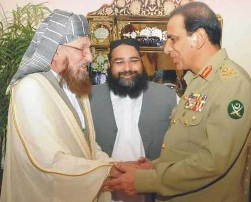 """Tahir Ashrafi facilitating the Deobandi-Establishment """"bond"""" that lead to the murder of 70,000 Pakistani civilians and soldiers by the Taliban and other ISIS-affiliated banned terror groups"""